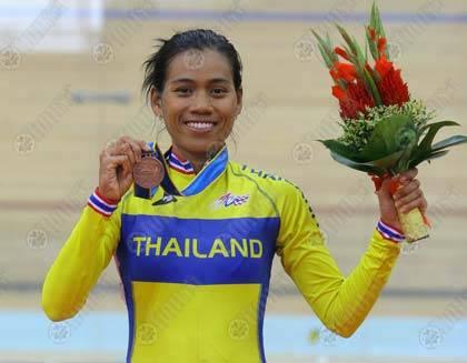 จันทร์เพ็ง นนทะสิน คว้าเหรียญทองแดงจากการแข่งขันจักรยาน