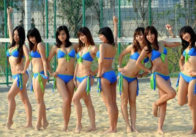 """จีนจัดหนัก """"สาวบิกินี"""" ละลานตา โดย MGR Online 18 พฤศจิกายน 2553 12:17 น."""