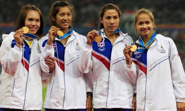 ประมวลภาพ 'ไต้ฝุ่น 4x100 หญิง-ชาย' อีกหน้าประวัติศาสตร์กรีฑาไทย โดย 27 พ.ย. 2553 14:52