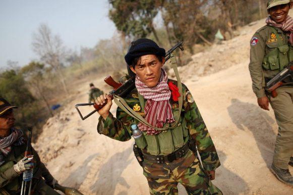 Na thajsko-kambodžské hranici pokračují boje 1. 5. 2011