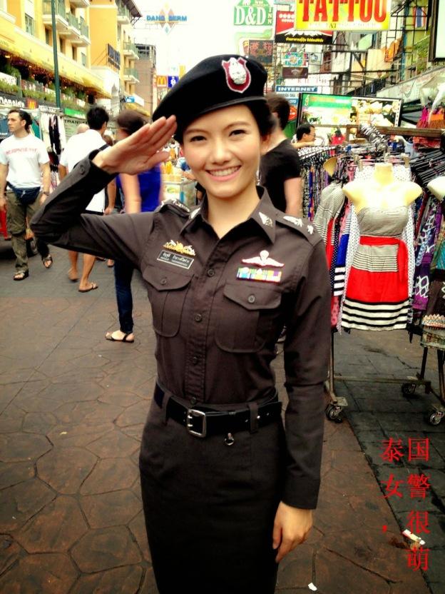 หมอแอร์ – ประเทศไทย ตำรวจหญิง นี่เป็น ต้นกล้า 泰国 女警 ,很 萌