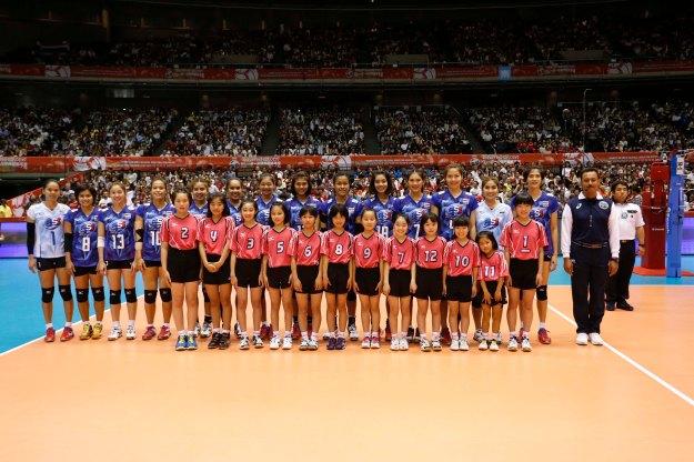 Team Thailand with kids