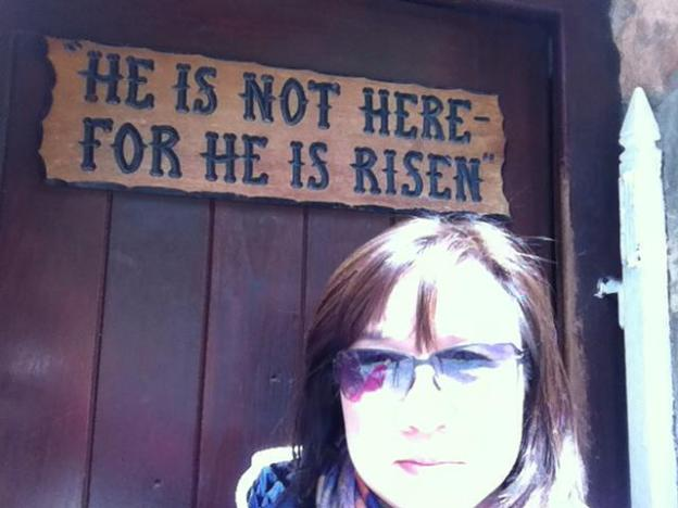 6 He is not here, but has risen. Remember how he told you, while he was still in Galilee, Luke 24:6 06 [พระองค์ไม่อยู่ที่นี่ แต่ทรงเป็นขึ้นมาแล้ว] {สำเนาต้นฉบับบางฉบับ ไม่มีความในวงเล็บปีกกานี้} จงระลึกถึงคำที่พระองค์ได้ตรัสกับท่านทั้งหลาย เมื่อพระองค์ยังอยู่ในแคว้นกาลิลี ลูกา 24:6