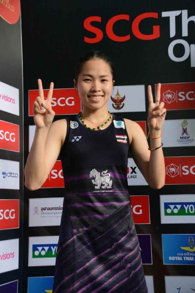 """badmintonthai - รัชนก ผ่านเข้าสู่รอบชิงชนะเลิศไปรอพบกับผู้ชนะระหว่าง """"ครีม"""" บุศนันทน์ อึ๊งบำรุงพันธุ์ รองแชมป์ปี 2016 มือวาง 4 ของรายการมืออันดับ 13 ของโลก"""